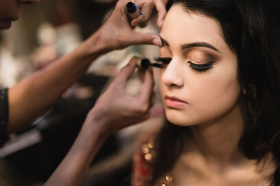 9 tipsbefore you go to a makeup artist feature image